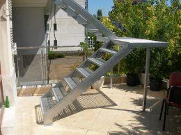 External metal stairs - Image 3